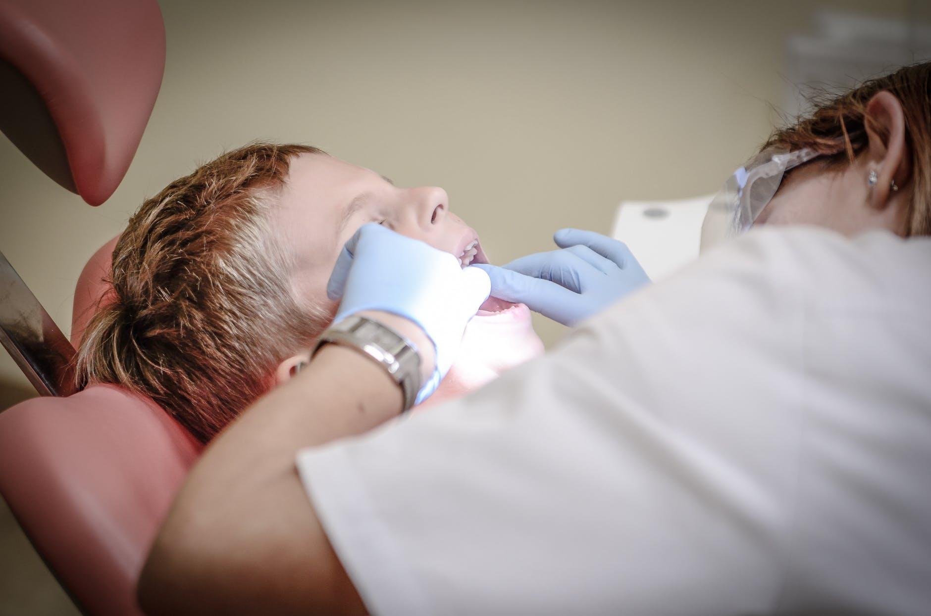 Zubařské křeslo Amicus
